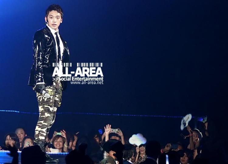 [12/05/2011] Fotos de Rain en el concierto de Bangkok 212