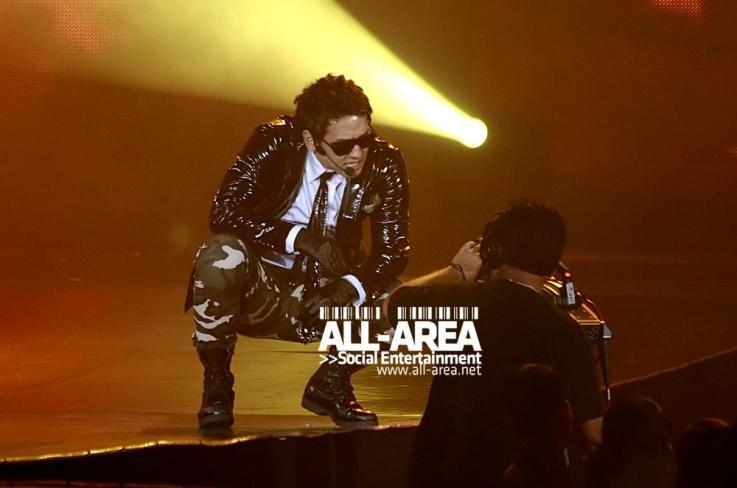 [12/05/2011] Fotos de Rain en el concierto de Bangkok 292
