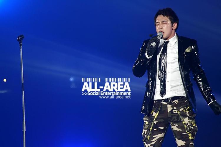 [12/05/2011] Fotos de Rain en el concierto de Bangkok 410
