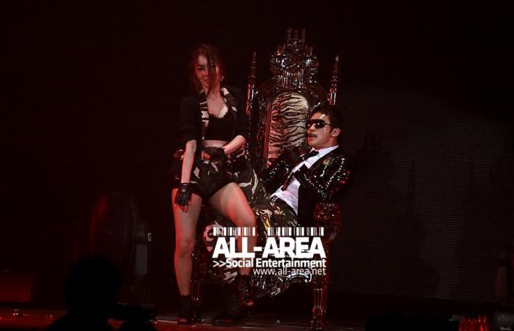 [12/05/2011] Fotos de Rain en el concierto de Bangkok 442